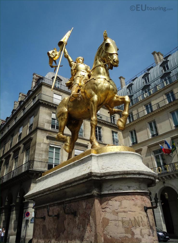 statues_in_paris_m15_DSC09091 s